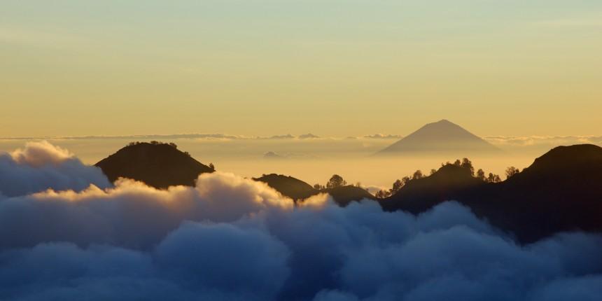 Gunung Agung, Bali, Indonesia - Rosino
